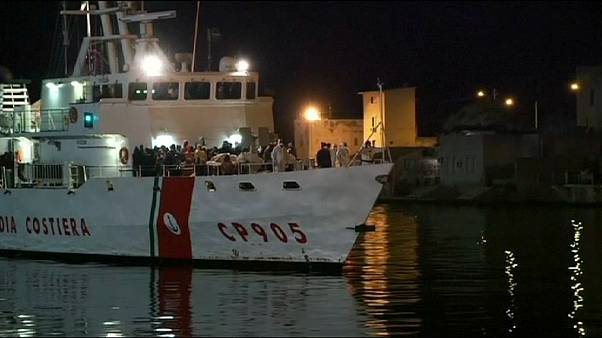 More than 2,000 boat migrants are brought to Sicily during a weekend of rescues