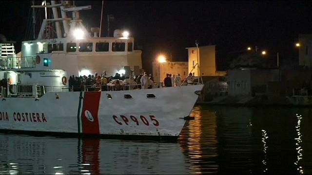 ايطاليا: انقاذ أكثر من 2000 مهاجر ابحروا من ليبيا
