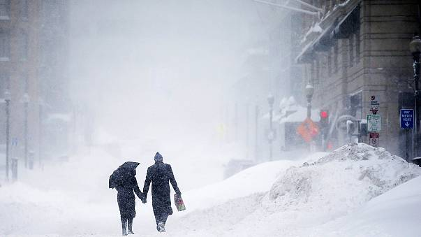 США: последствия снежной бури