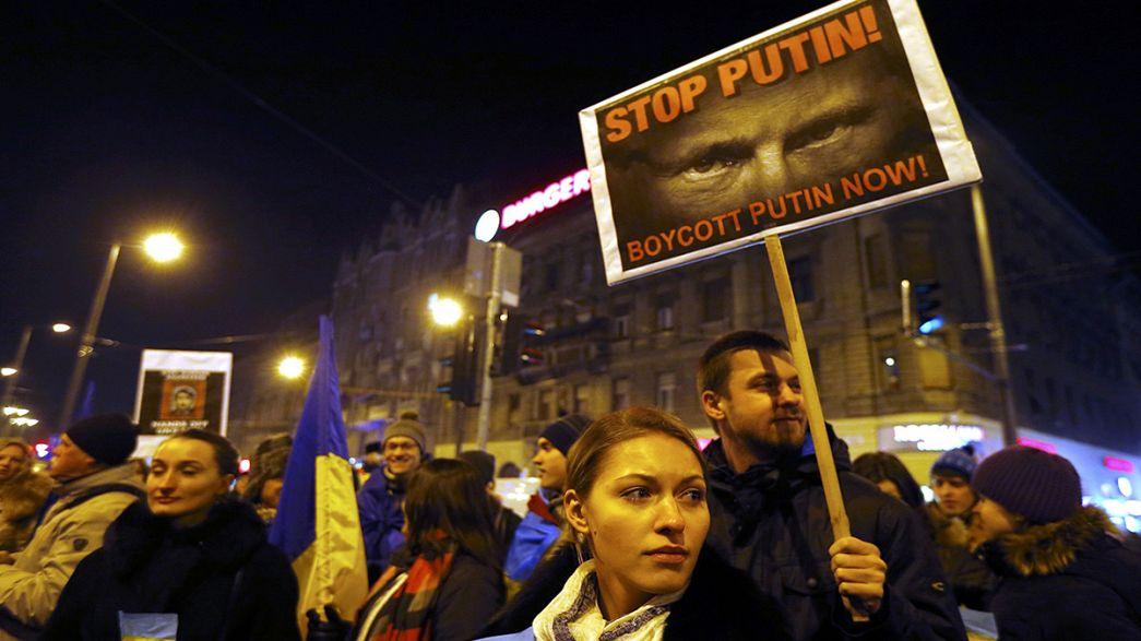 Protesta anti Putin en Budapest la víspera de la visita del Presidente ruso a Hungría