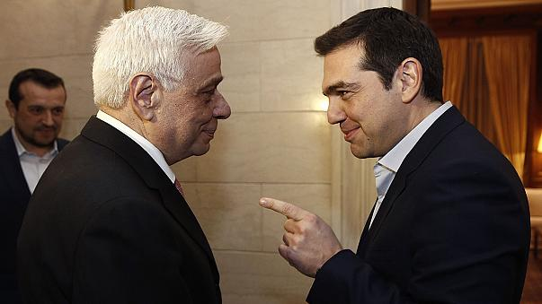 أثينا تعتزم طلب تمديد اتفاق التمويل الاوروبي