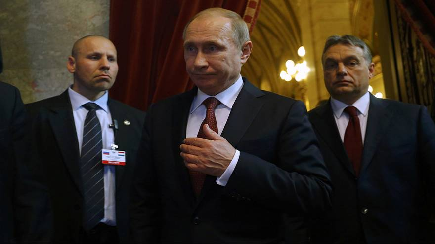 Warm welcome for Russia's Putin in Hungary