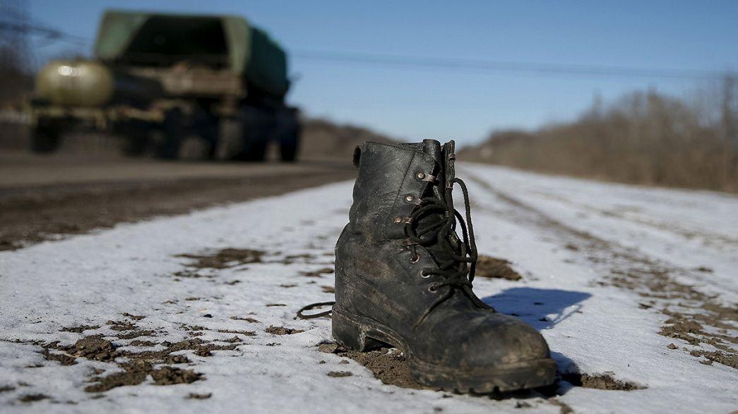 Au mépris du cessez-le-feu, de violents combats se poursuivent à Debaltseve dans l'est de l'Ukraine