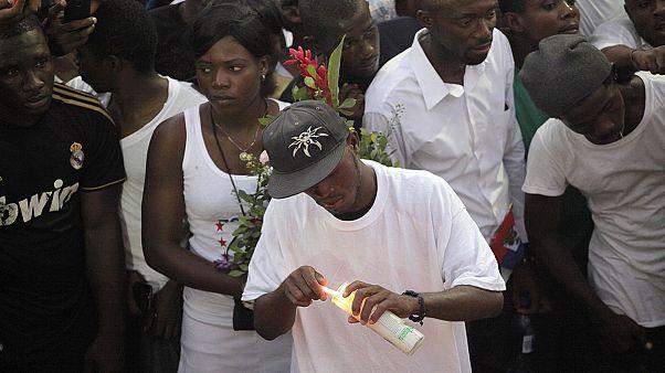 Haiti'de karnaval faciası için üç gün yas