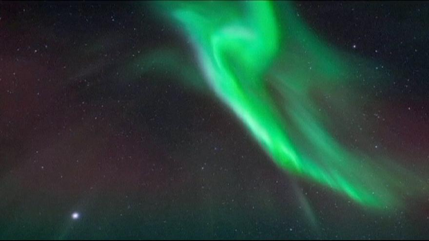 Super aurora boreale filmata in Svezia