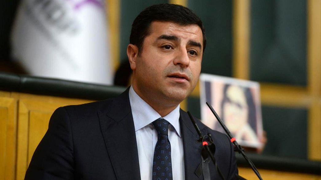 El proceso de paz entre el Gobierno turco y los kurdos, en la cuerda floja