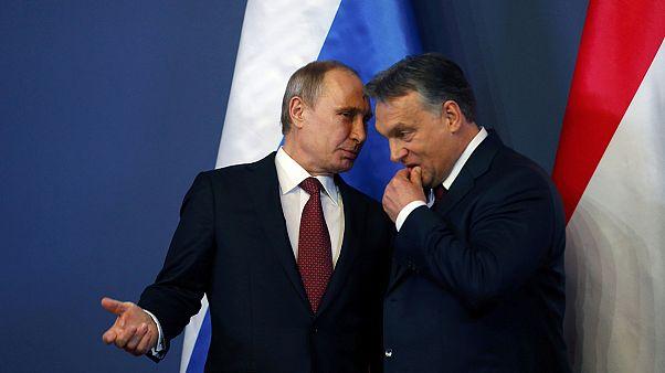 Orbán és Putyin randevúja – így látja a világ