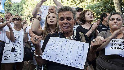 Cientos de miles de personas participan en la marcha silenciosa por la muerte de Nisman