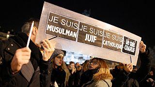 """""""Grande aumento"""" de racismo e xenofobia em França"""