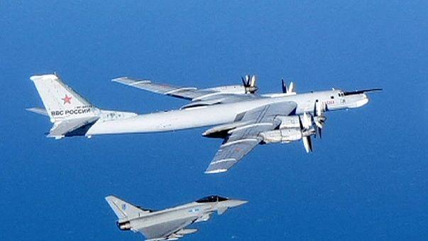 مقاتلات بريطانية تبعد قاذفتين روستين اقتربتا من المجال الجوي البريطاني