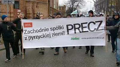 Protesting Polish farmers call for minister to be dismissed