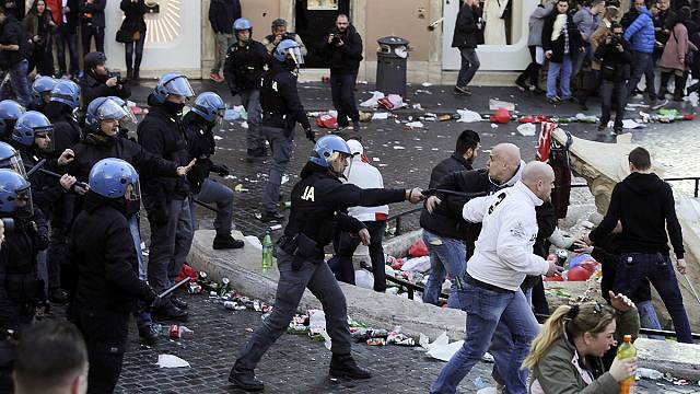 Feyenoord fans riot in Rome ahead of Europa League clash