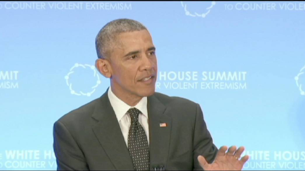 Democracy can help counter extremism, Obama tells summit