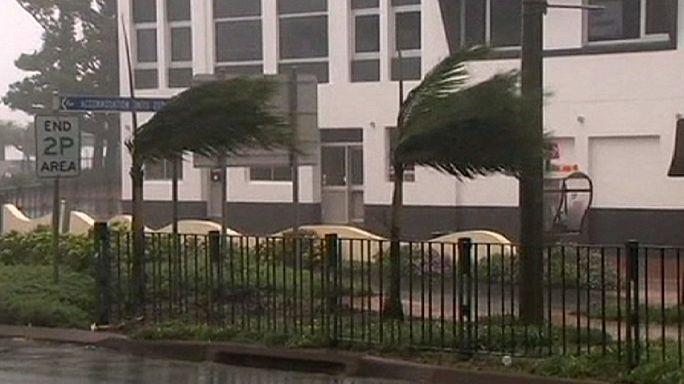 Dos huracanes causan daños en las costas de Australia