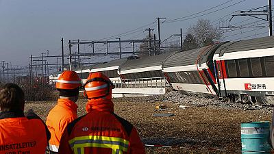 Spectaculaire mais sans gravité collision de trains en Suisse