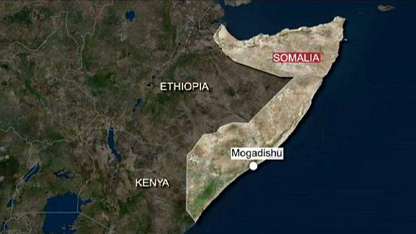Somália: Grupo islamita lança ataque contra hotel em Mogadíscio