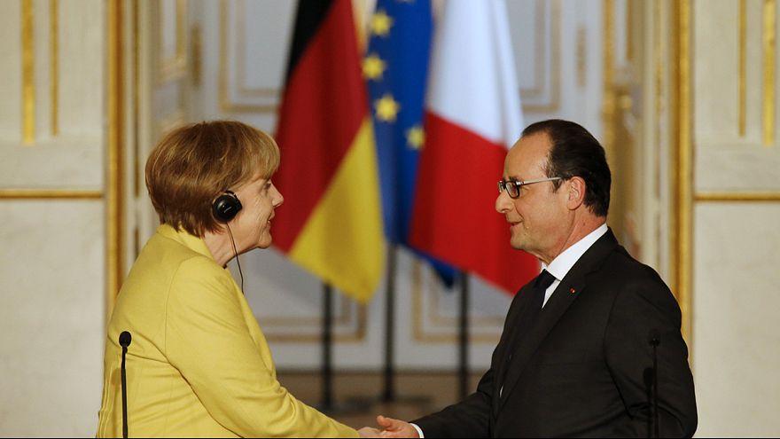 Vertice Merkel-Hollande all'Eliseo: ''Atene deve rimanere nell'euro''