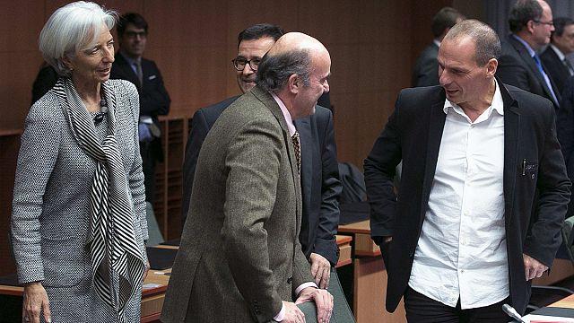 Еврогруппа согласилась помогать Греции еще 4 месяца
