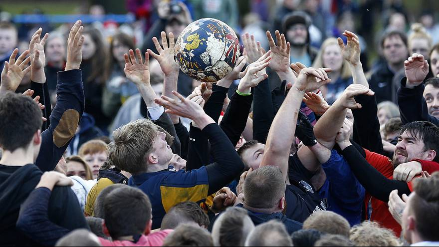 Royal Shrovetide Football Match, quella folle partita di ''calcio''