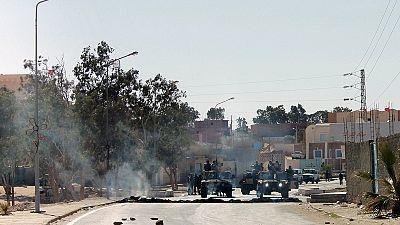 Triplo atentado no leste da Líbia provoca meia centena de mortos