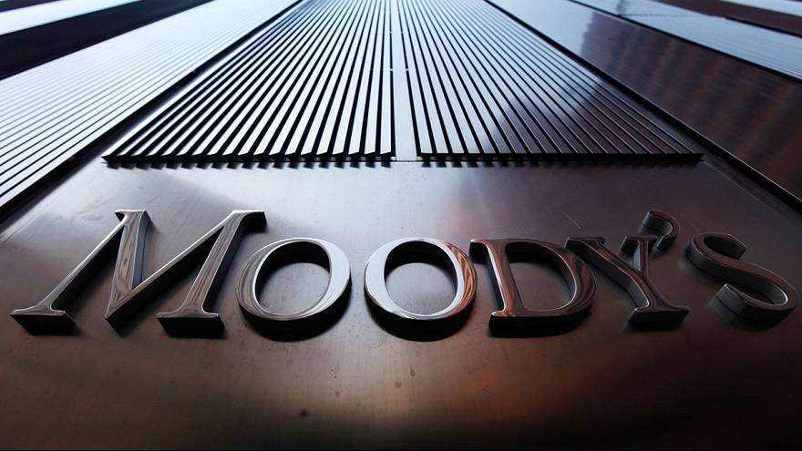 Moody's понизило кредитный рейтинг России