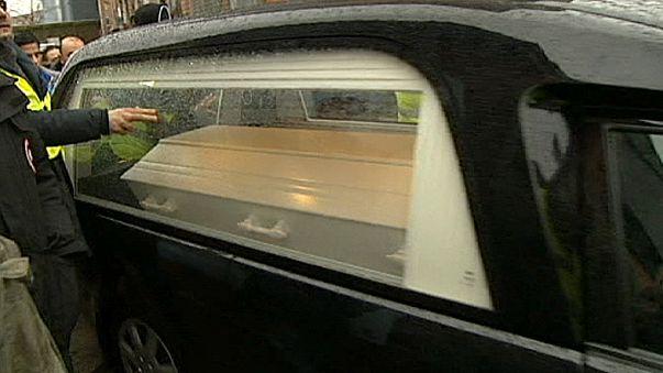 Medio millar de personas acude al entierro del autor de los atentados de Copenhague