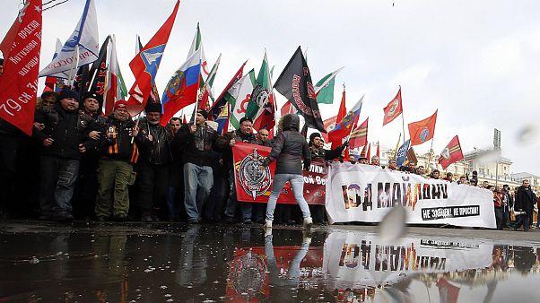 Rússia: Apoiantes de Putin manifestam-se contra a revolução ucraniana