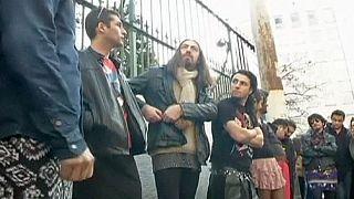 Hombres en minifalda protestan contra la violencia que sufren las mujeres en Turquía
