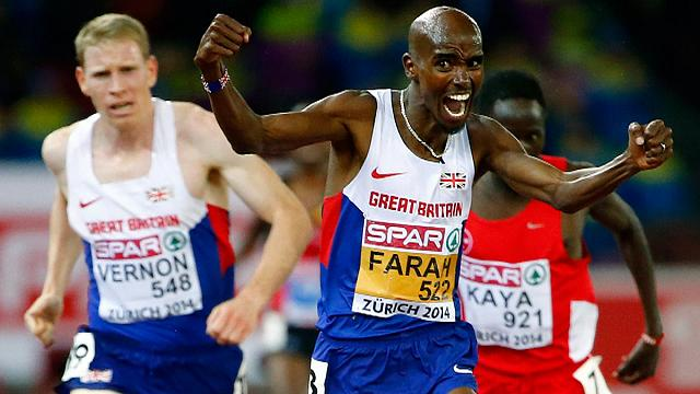 Farah sets new indoor two mile world record