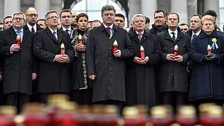 Ουκρανία: Ποροσένκο και ξένοι ηγέτες στην πορείας για τα θύματα στην πλατεία Μαϊντάν