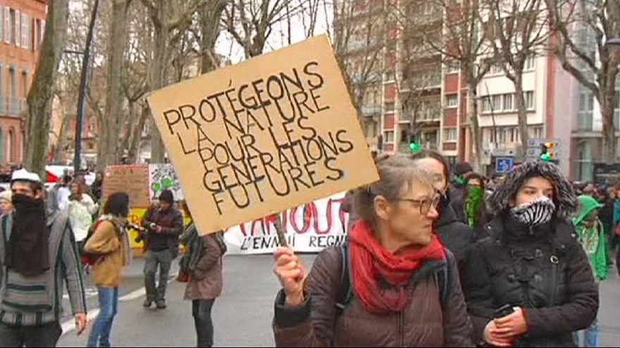 Krawalle bei Demonstrationen in Frankreich