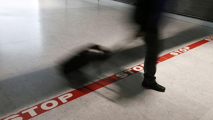 Fransa Suriye'ye gitmek isteyen 6 kişinin pasaportuna el koydu