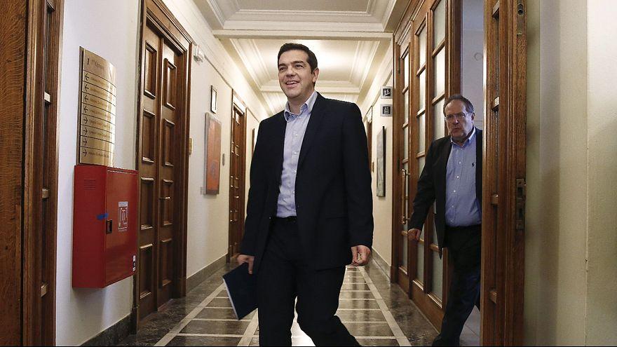 مجموعة اليورو توافق على مواصلة برنامج مساعدة اليونان