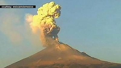 Mexico volcano eruption causes further flight cancellations