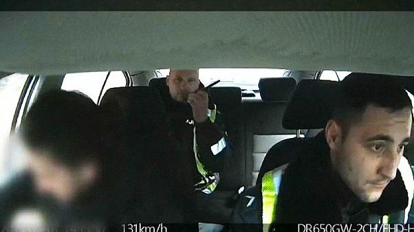 La policía lituana salva la vida de un bebé a toda velocidad