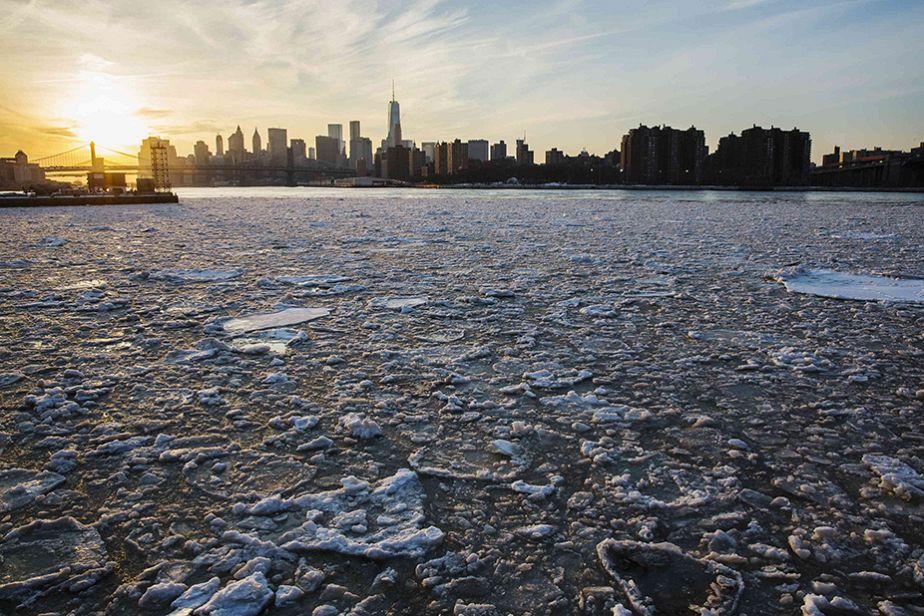 Coucher de soleil sur New York gelé