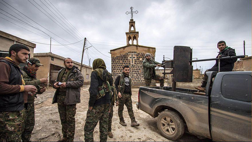 """اختطاف نحو 220 آشوريا من طرف """"الدولة الإسلامية"""" قرب الحسكة في سوريا"""