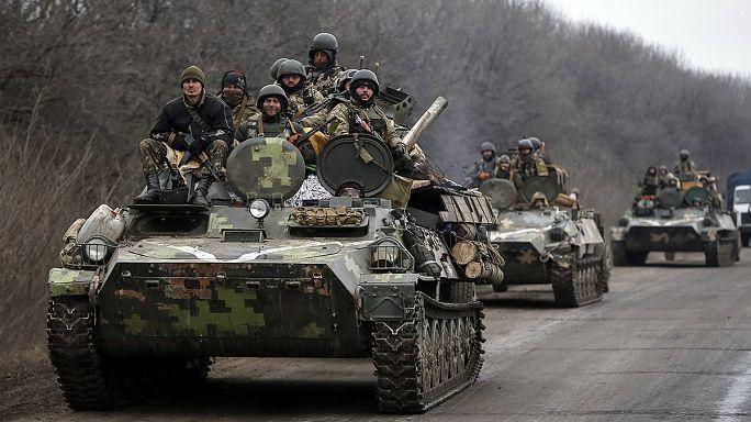 Ukrayna'da ağır silahlar cepheden geri çekiliyor