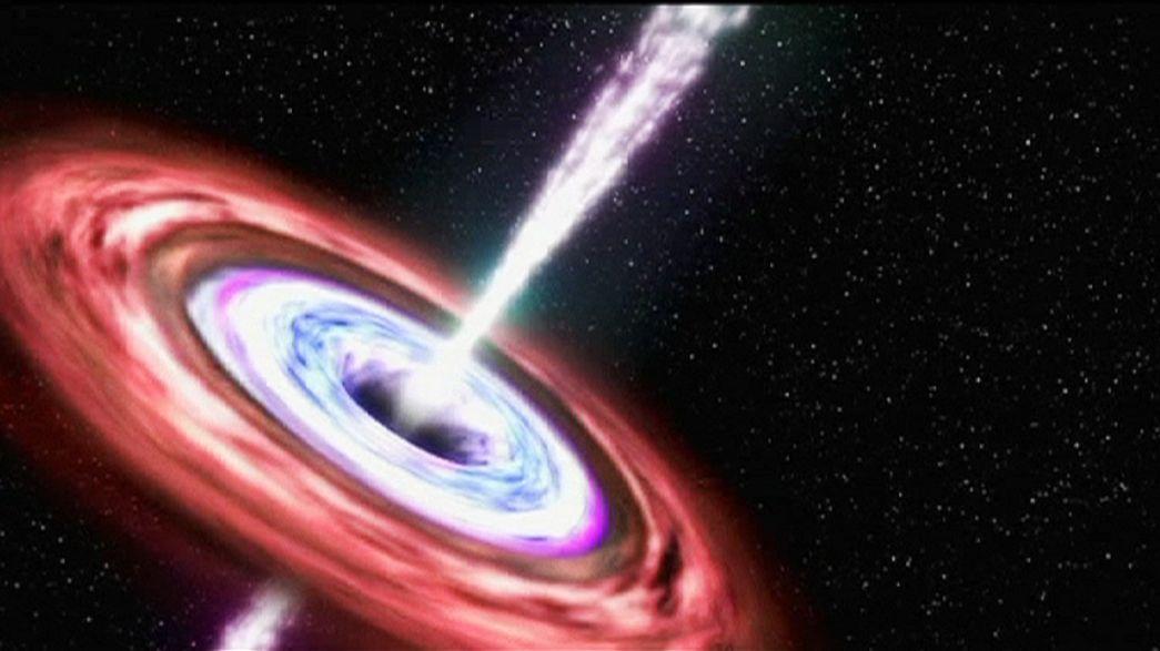 Descoberto o maior e mais antigo buraco negro do universo