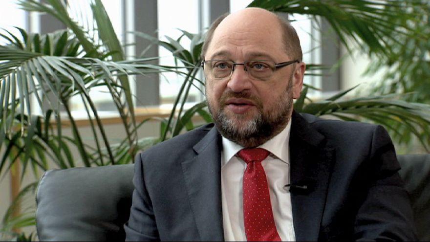 """Мартин Шульц: """"к Греции и Франции равное отношение"""""""