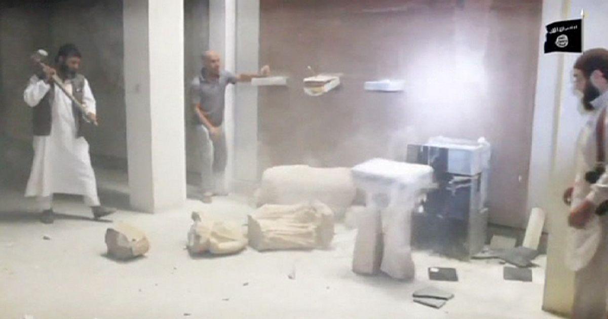 Боевики ИГИЛ разгромили музей с бесценными экспонатами в Мосуле | euronews, мир
