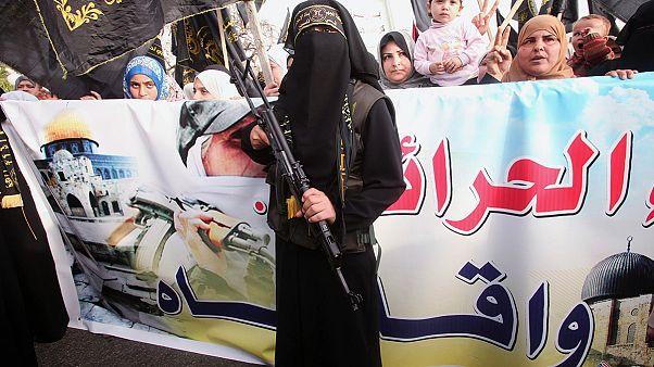 Nachwuchs für den Terror: Dschihadisten locken junge Frauen