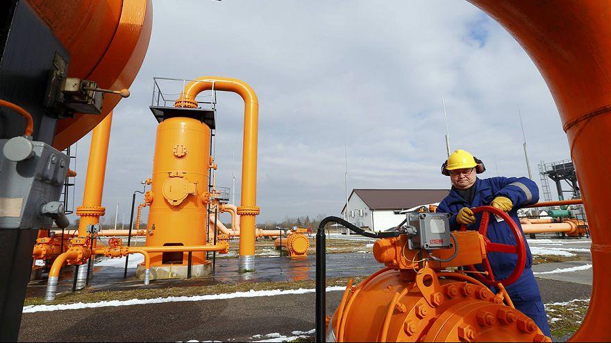 Russia-Ukraina, niente taglio del gas, vertice a tre lunedì a Bruxelles