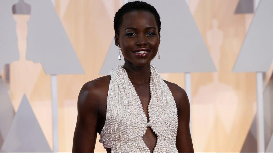 Oscars : on a volé la robe aux 6 000 perles de Lupita Nyong'o!