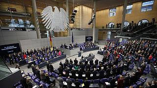 Germany votes to approve Greek bailout extension