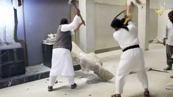 Felbecsülhetetlen kincseket zúztak porrá az Iszlám Állam dzsihadistái Irakban