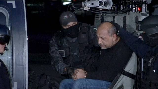 Bilincs kattant a legkeresettebb drogbáró kezén Mexikóban