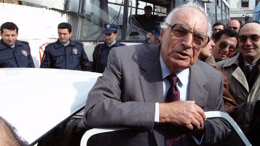 Faleceu o escritor turco Yasar Kemal