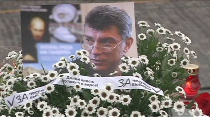 Thousands pay tribute to murdered Russian opposition politician