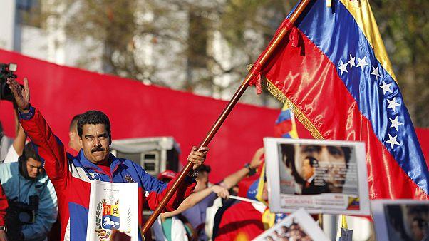 """Venezuela: Maduro responde a sanções dos EUA com acusações de espionagem e """"terrorismo"""""""